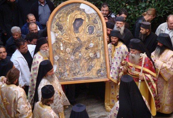 Православные празднуют память