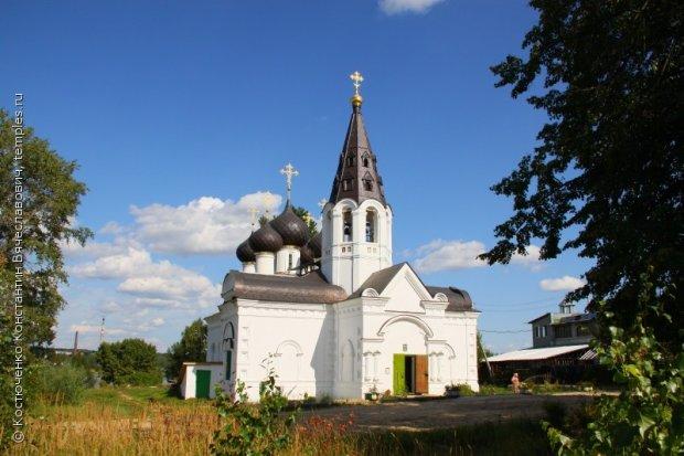 Троицкая церковь в Норском